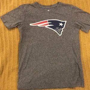 NFL Patriots T shirt size kids Lg 12-14